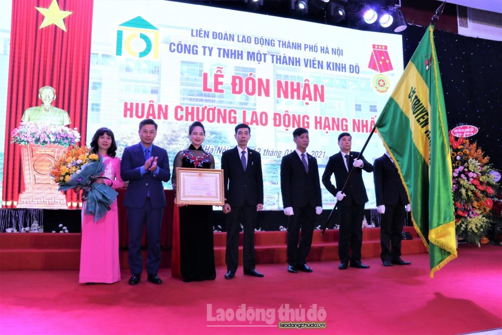 Công ty Kinh Đô đón nhận Huân chương Lao động hạng Nhất