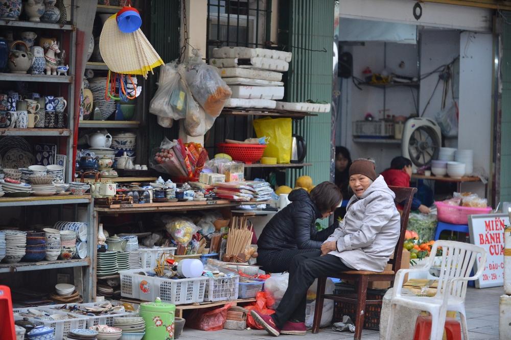 """Cảm nhận không khí Tết đến gần ở """"chợ nhà giàu"""" khu phố cổ Hà Nội"""