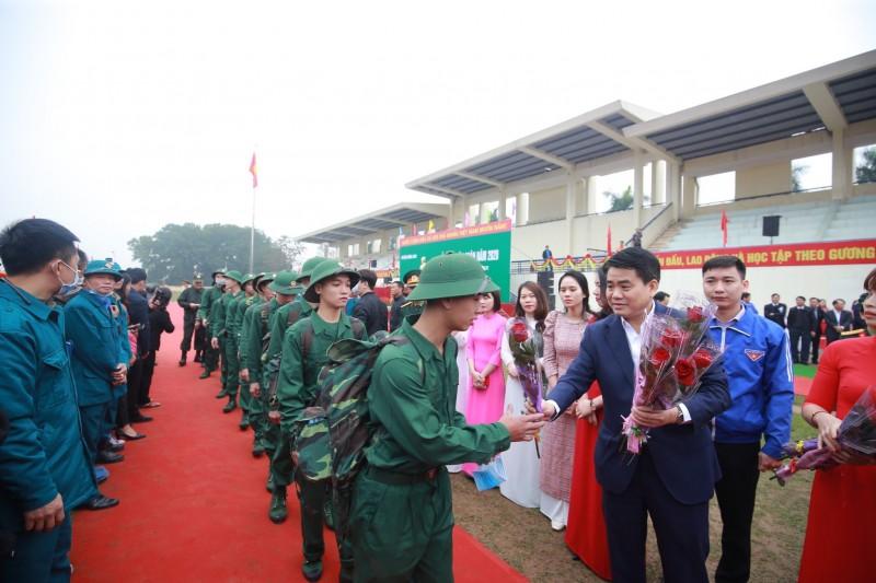 Hà Nội: Tân binh rạng rỡ trong ngày hội tòng quân
