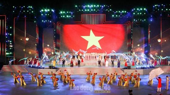 """Đặc sắc chương trình nghệ thuật """"Khát vọng – Tỏa sáng"""" chào mừng thành công Đại hội XIII của Đảng"""