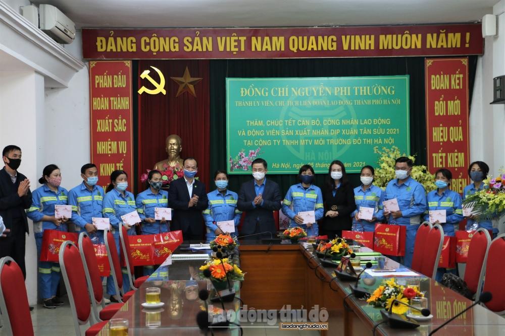 Chủ tịch Liên đoàn lao động thành phố Hà Nội thăm, chúc Tết đoàn viên, người lao động