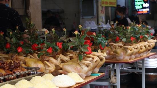"""Sắm lễ Rằm tháng Giêng ở """"chợ nhà giàu"""" phố cổ Hà Nội"""