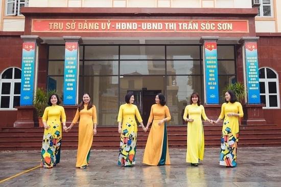 """Sôi nổi """"Tuần lễ áo dài Việt Nam"""" trong nữ cán bộ công nhân viên chức huyện Sóc Sơn"""