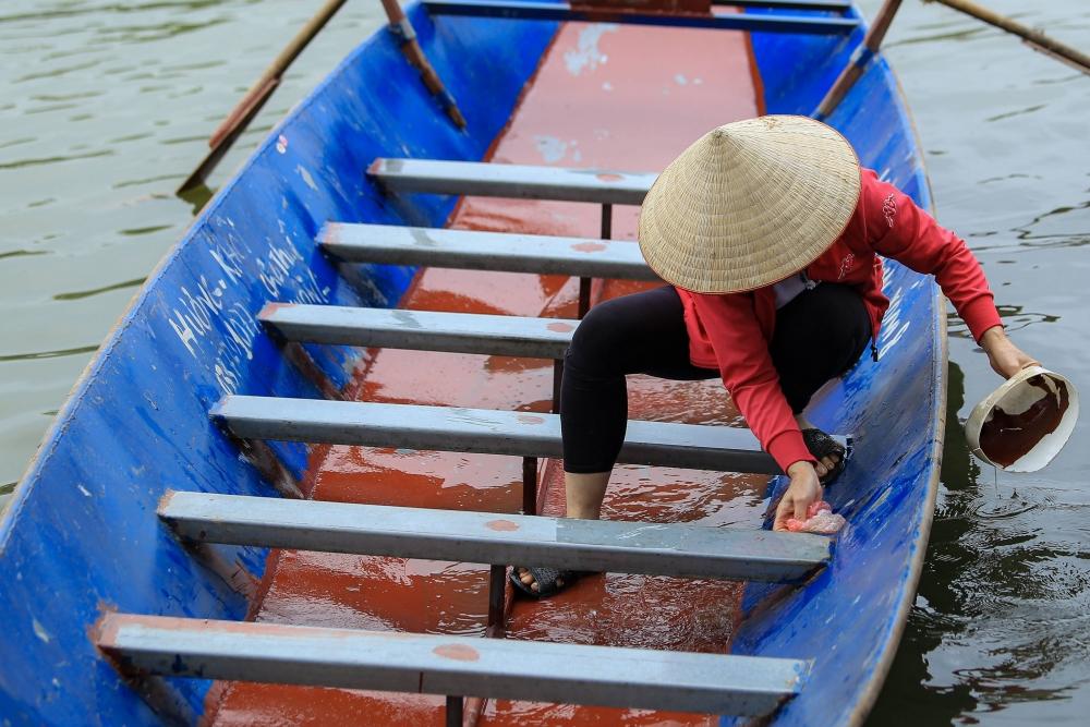 Hàng quán, lái đò sẵn sàng trước giờ khai hội chùa Hương