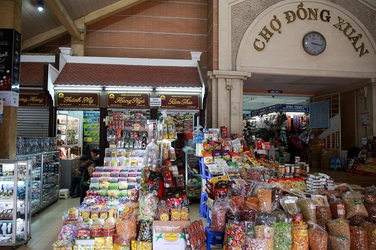 Khung cảnh đìu hiu tại chợ đầu mối lớn nhất Hà Nội