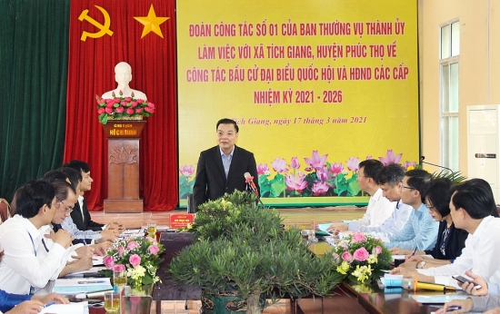 Chủ tịch Thành phố kiểm tra công tác phục vụ bầu cử tại huyện Phúc Thọ