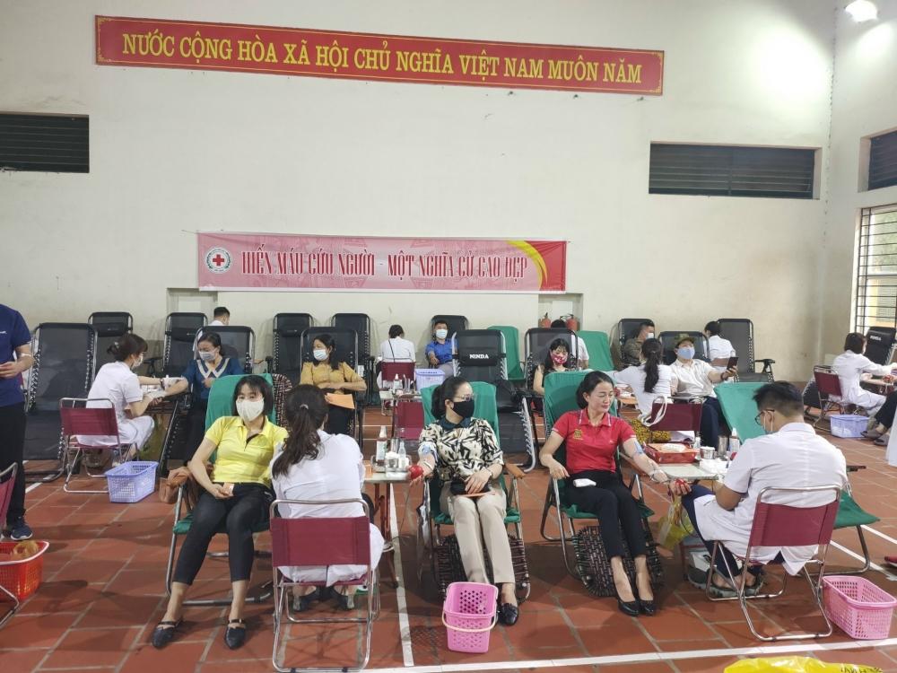 Người lao động, nhân dân huyện Sóc Sơn hiến hơn 500 đơn vị máu