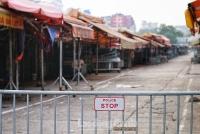 Chợ hoa lớn nhất Hà Nội đóng cửa, tiểu thương bán hàng online giữa mùa dịch