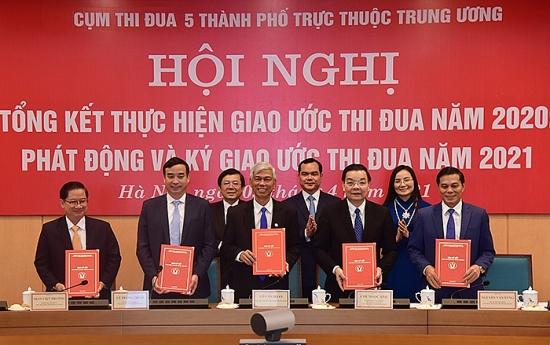 5 thành phố trực thuộc Trung ương ký giao ước thi đua thực hiện thắng lợi