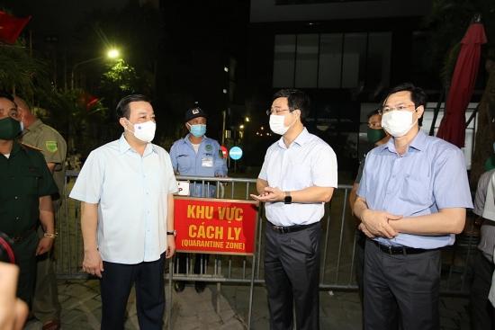 Phó Chủ tịch Ủy ban nhân dân thành phố Hà Nội Chử Xuân Dũng kiểm tra chung cư có ca nhiễm Covid-19