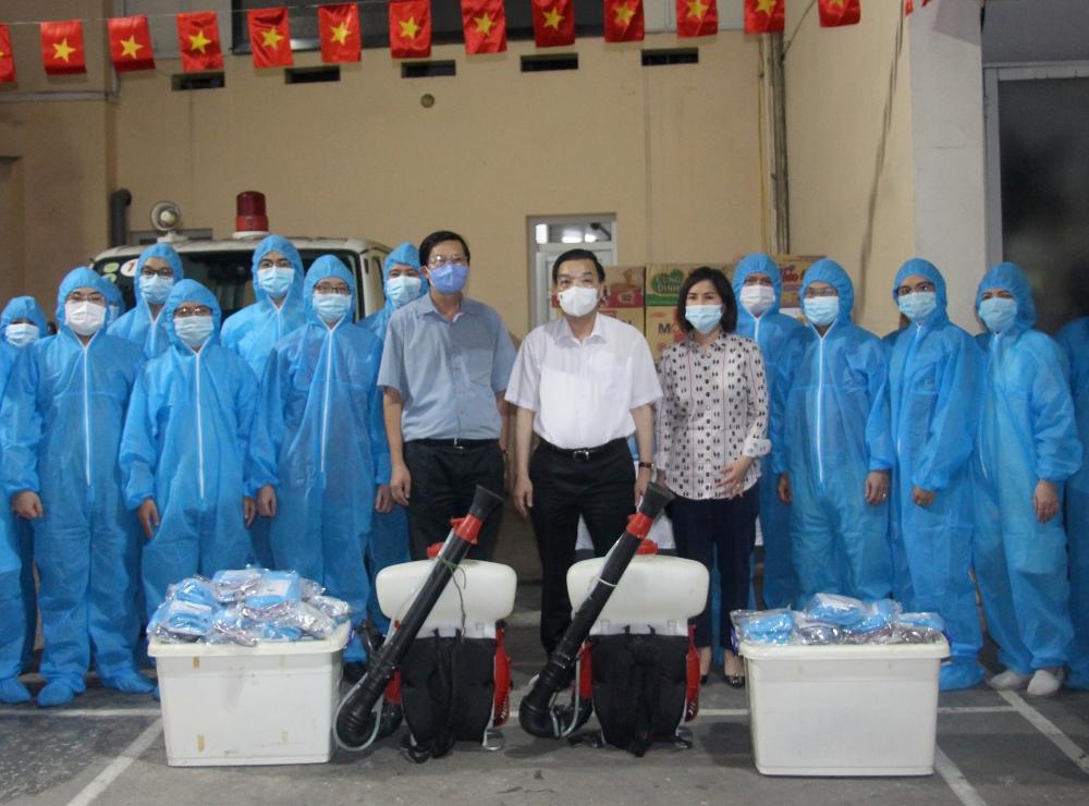 Những hình ảnh xuất quân của đội ngũ y, bác sĩ Thủ đô lên đường giúp Bắc Giang dập dịch