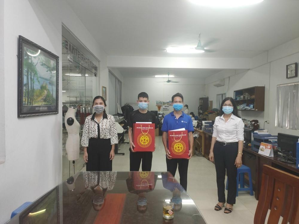 Liên đoàn Lao động huyện Sóc Sơn: Thăm, động viên công nhân lao động bị tai nạn lao động