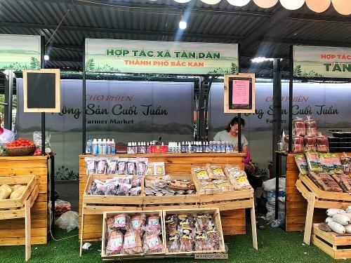 Nông sản sạch các miền hội tụ tại Hà Nội