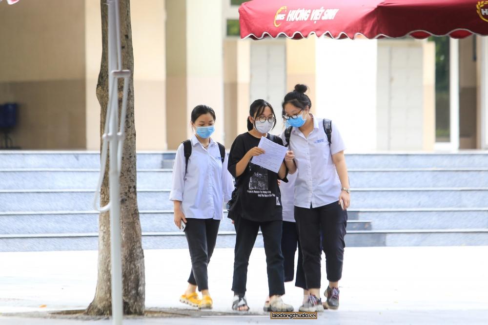 Thí sinh Thủ đô phấn khởi kết thúc kỳ thi tốt nghiệp Trung học phổ thông năm 2021