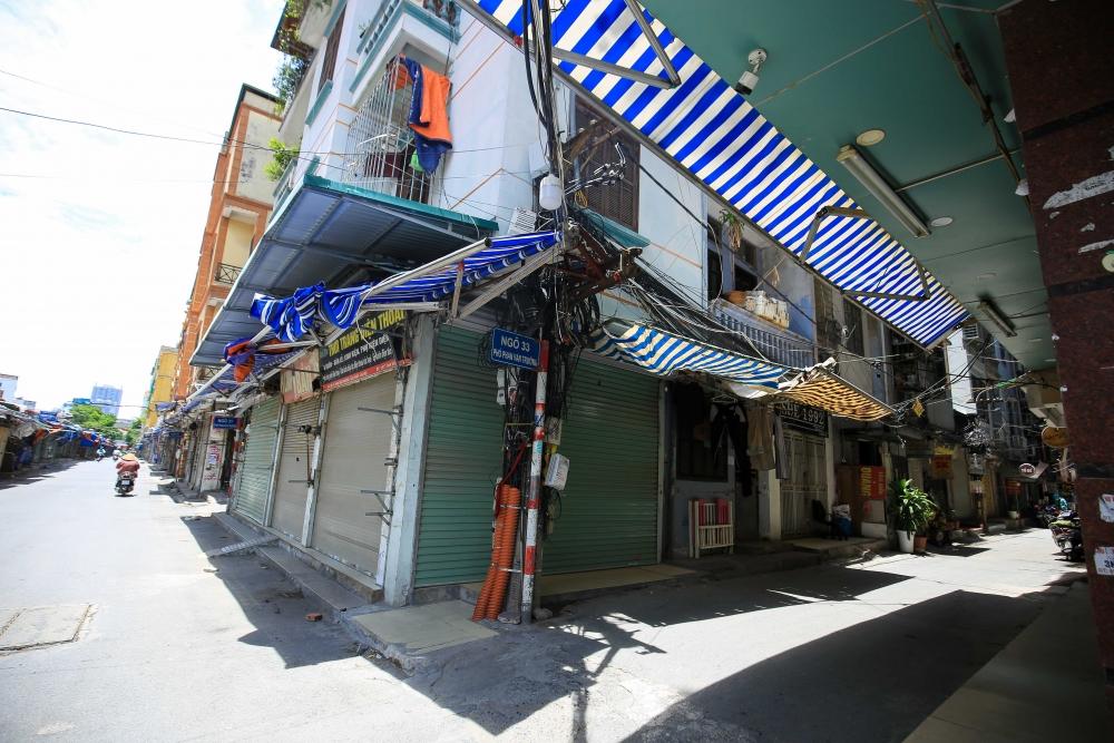 """Cảnh tượng vắng lặng chưa từng thấy tại """"chợ sinh viên"""" lớn nhất Hà Nội"""