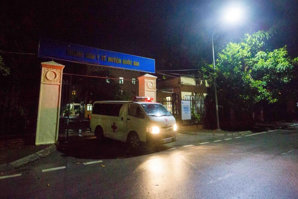 Xuyên đêm truy vết, lấy mẫu xét nghiệm của lực lượng y tế huyện Quốc Oai