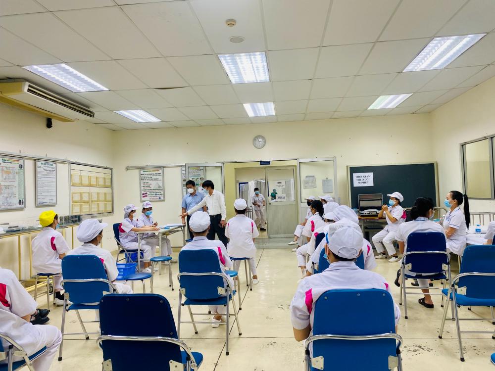 Huyện Sóc Sơn: Kiểm tra công tác tiêm vắc xin phòng Covid-19 cho công nhân tại Khu Công nghiệp Nội Bài
