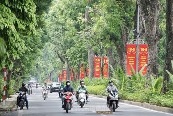 Hà Nội trang hoàng đường phố chào mừng kỷ niệm 75 năm Cách mạng Tháng Tám và Quốc khánh 2/9