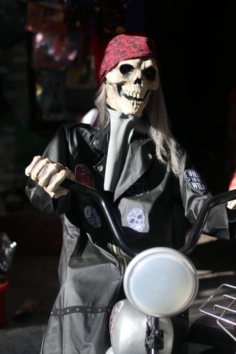 khong khi ma mi truoc le halloween tren pho do choi lon nhat ha noi