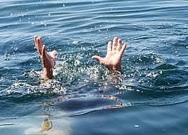 Khen thưởng nam sinh dũng cảm cứu hai em nhỏ khỏi đuối nước