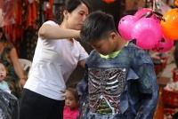 Phố Hàng Mã ngập tràn không khí 'ma mị' trước thềm Halloween