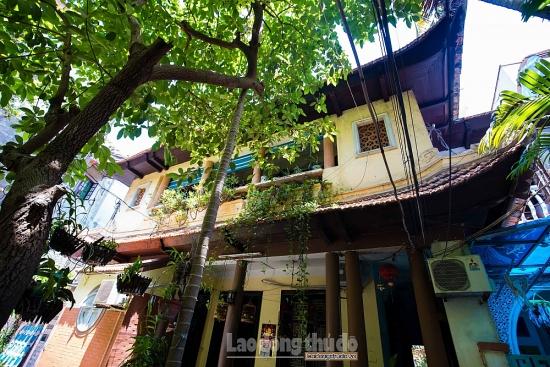 Kiến trúc độc đáo của căn biệt thự từng là tiệm vàng giàu có ở phố cổ Hà Nội