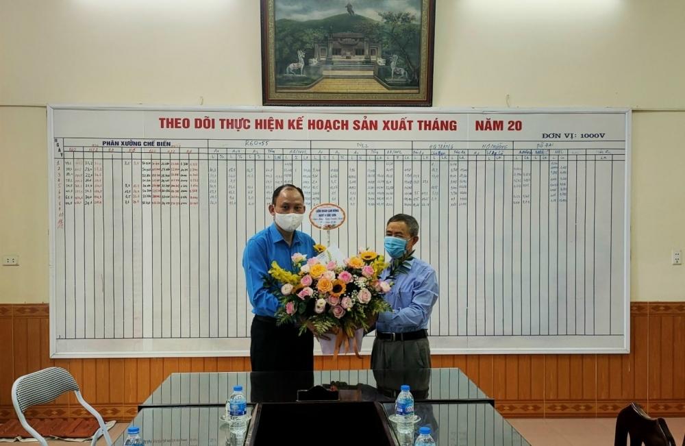 LĐLĐ huyện Sóc Sơn thăm và chúc mừng các doanh nghiệp nhân ngày Doanh nhân Việt Nam