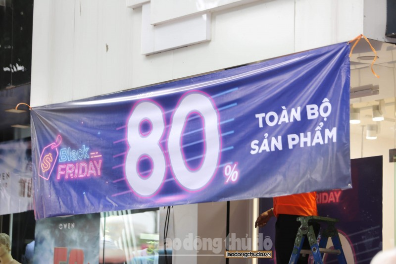do xo mua sam ngay black friday tai ha noi