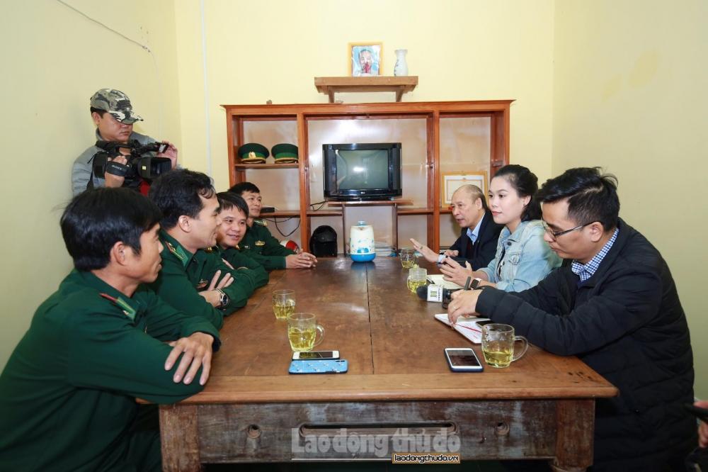 Phóng viên báo chí Hà Nội đến với chiến sĩ đồn Biên phòng tỉnh Đắk Nông và Bình Thuận