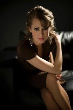 Nữ danh ca Michele Kaye lưu diễn tại Hà Nội