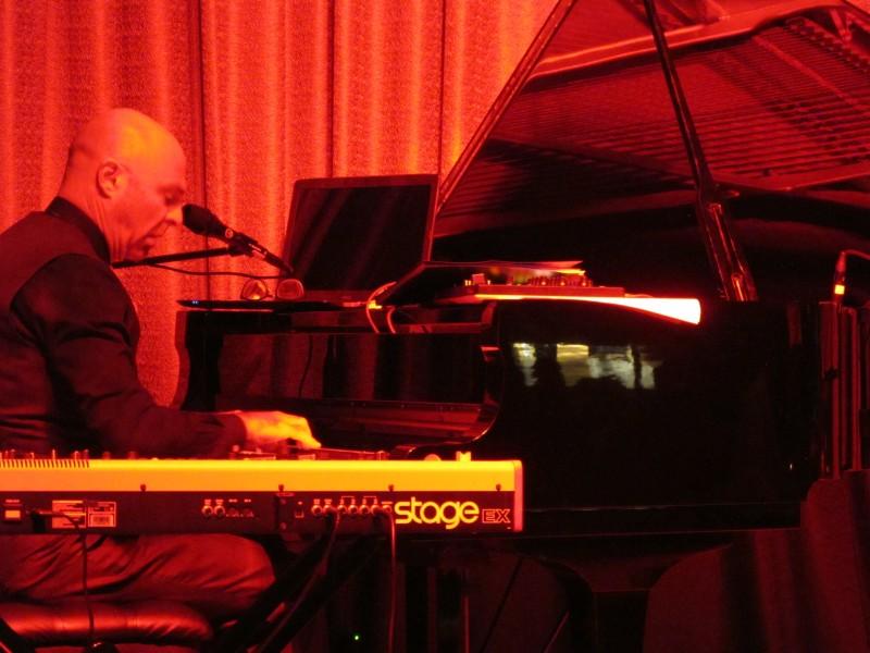 Joshua Lebofsky - Nghệ sĩ nhạc jazz Canada  lưu diễn tại Hà Nội