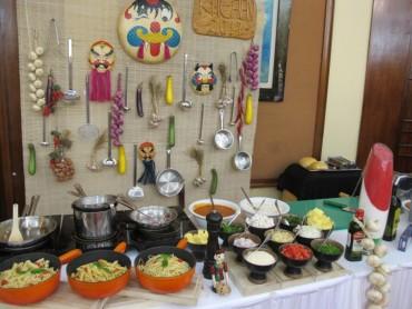 Giao lưu văn hóa ẩm thực Hà Nội với bạn bè quốc tế