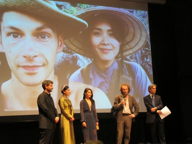Bầu trời đỏ - Phim Pháp quay tại Việt Nam ra mắt khán giả Hà Nội