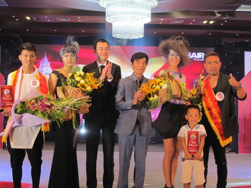 """Hai nhà tạo mẫu tóc Việt Nam dự chung kết """"Wella TrendVision London 2017"""""""