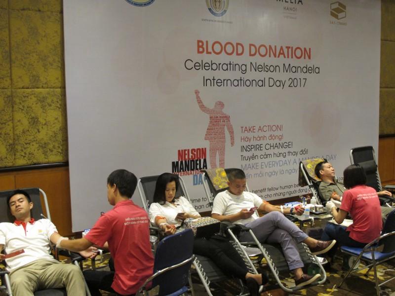 Hiến máu tình nguyện nhân Ngày Quốc tế Nelson Mandela