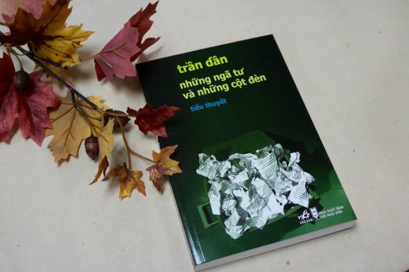 """""""Những ngã tư và những cột đèn"""" của Trần Dần được bán bản quyền tiếng Hàn Quốc"""
