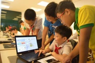 28 học sinh Việt Nam thi tài lập trình tại Indonesia