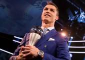 Ronaldo 'đá đểu' Messi và Barcelona trong ngày được vinh danh