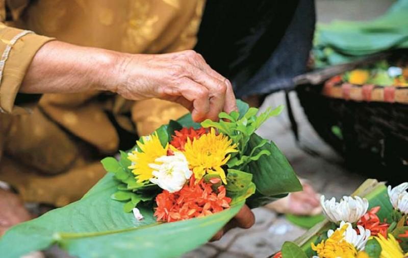 Hoài niệm về những gói hoa Tết