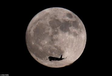 Những hình ảnh ấn tượng về hiện tượng 'trăng sói'