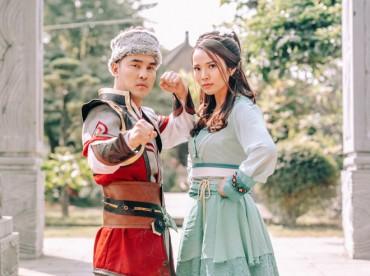 Vợ chồng Ưng Hoàng Phúc hóa 'Quách Tĩnh, Hoàng Dung' trong MV cổ trang