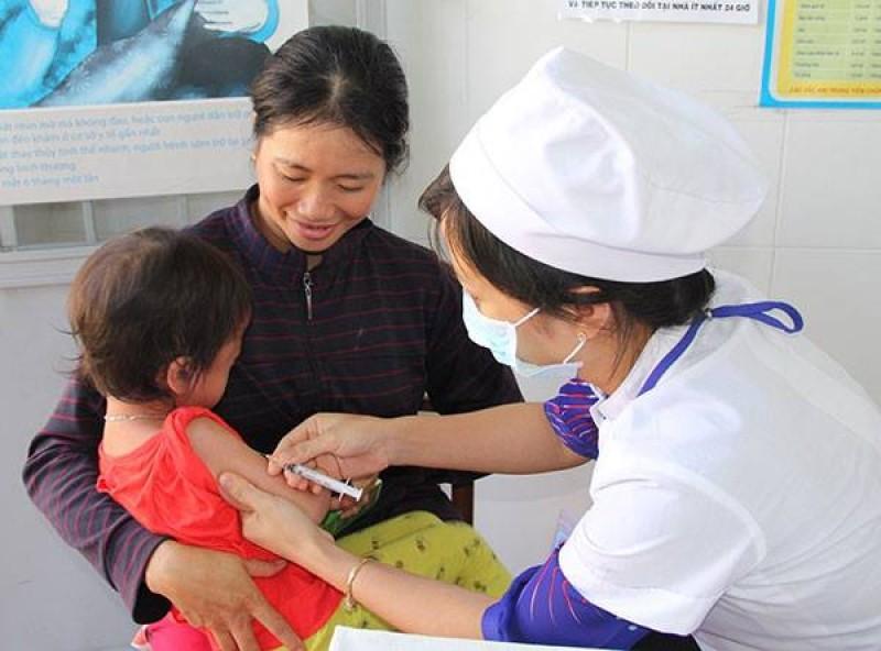 Triển khai tiêm vắc xin bại liệt cho trẻ 5 tháng tuổi