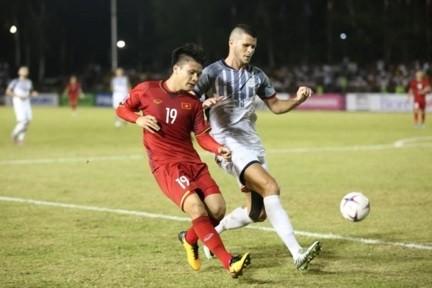 Việt Nam 4-2 Philippines: Bước chạy đà hoàn hảo