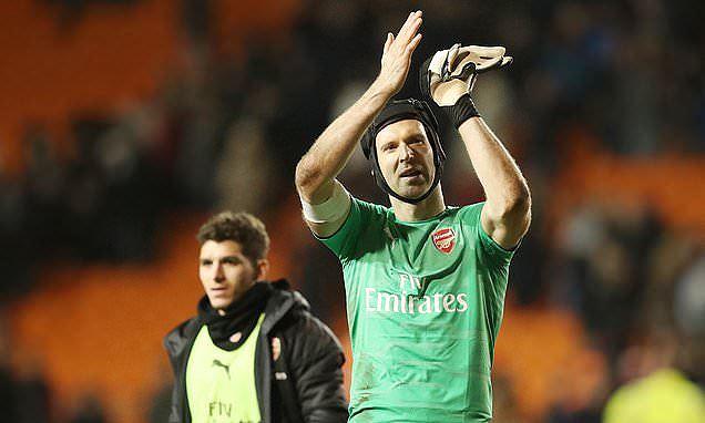 Petr Cech tuyên bố treo găng vào cuối mùa