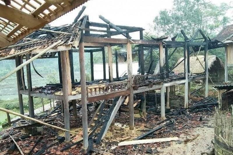 Nghệ An: Say rượu, tự châm lửa đốt nhà trong đêm