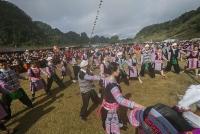 Về Hoà Bình xem lễ hội Gầu Tào của dân tộc Mông