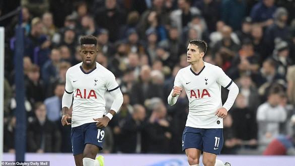 Tottenham 2-1 Middlesbrough: 'Gà trống' chật vật vào vòng 4 FA Cup