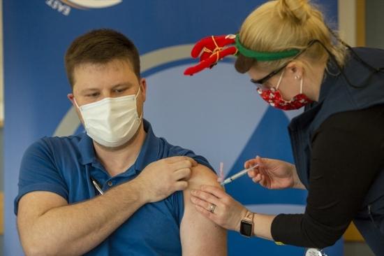 WHO: Chưa thể đạt miễn dịch cộng đồng trong năm 2021 dù có vaccine