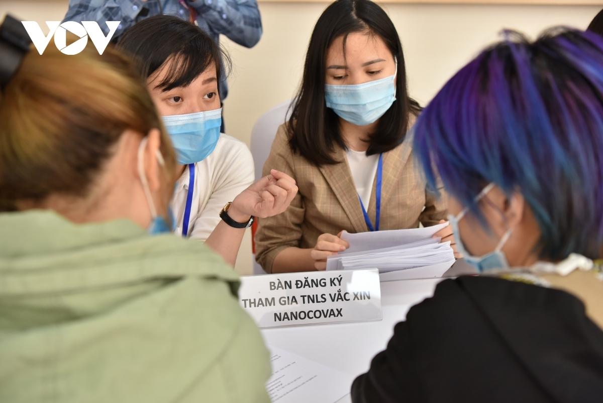 Hôm nay, tiêm liều Nanocovax 50 mcg thứ hai cho các tình nguyện viên