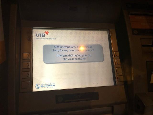 Quá tải rút tiền từ ATM, Ngân hàng Nhà nước ra chỉ thị mới